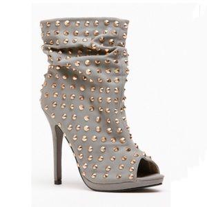New Women Liliana Studded Size 9 Peep Toe Booties